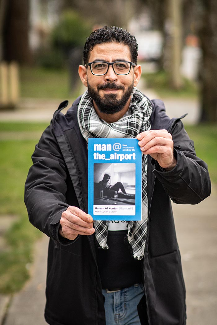 Hassan Al Kontar with his book